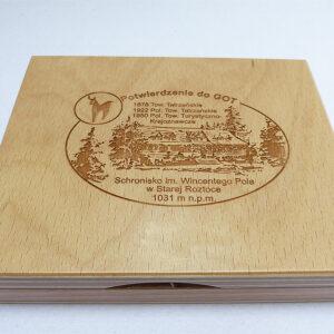 Poduszka drewniana z grawerem
