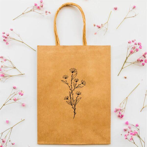 Stempel drewniany do samodzielnego nadruku na torbach papierowych z gotowym wzorem personalizowanym kwiat